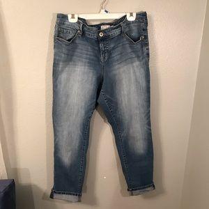 Torrid boyfriend blue jeans Sz 18 R